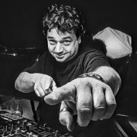 LARRY DJ