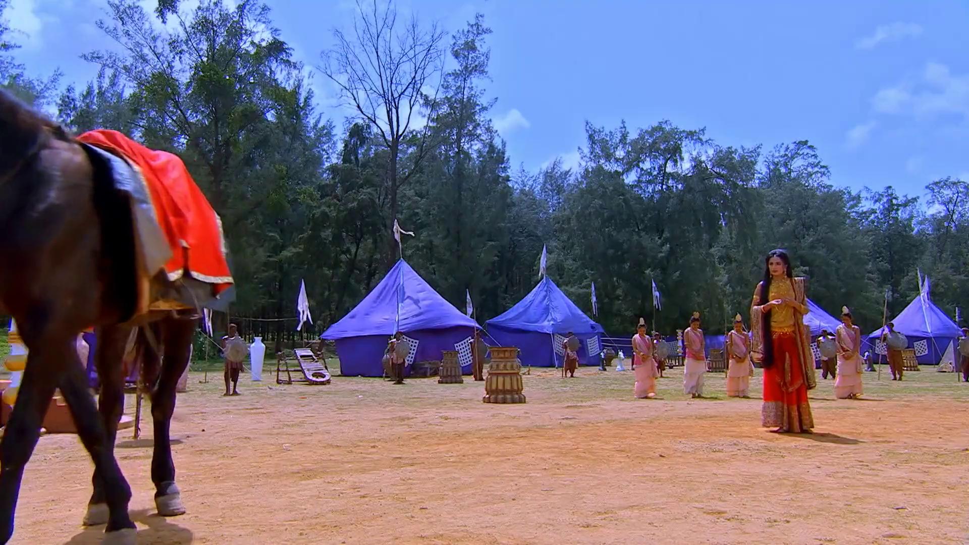 Mahabharata  felirattal 267/235.