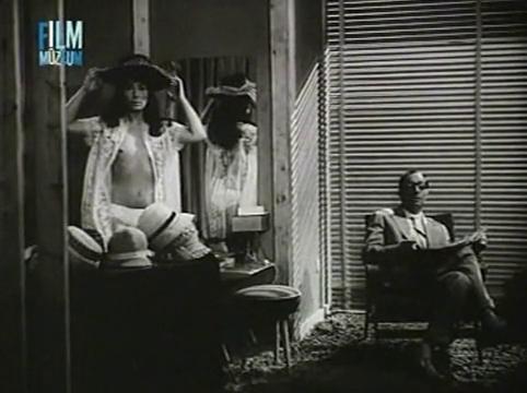 Meztelen Diplomata [Part-1] 1963.