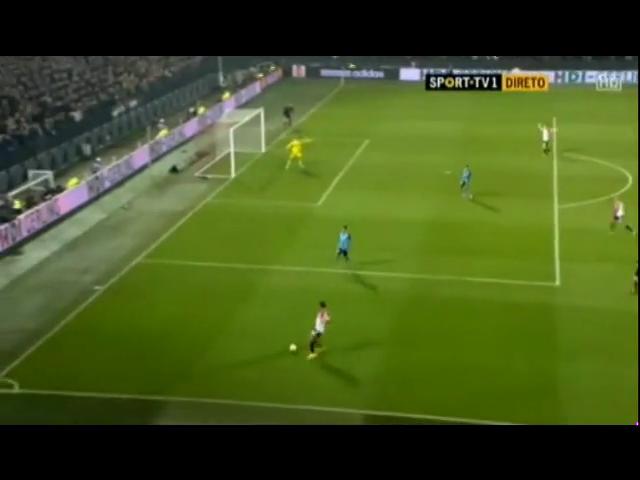 Feyenoord 2-0 Sevilla - Gól de J. Toornstra (56min)