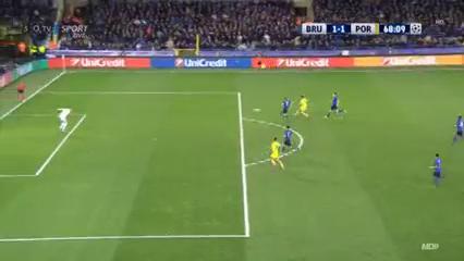 Club Brugge 1-2 Porto - Golo de M. Layún (68min)