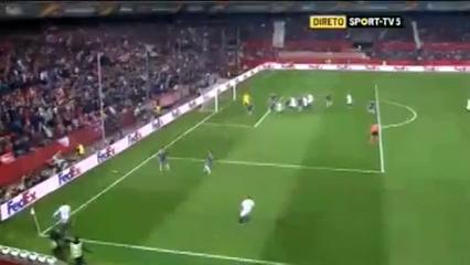 Sevilla 3-0 Basel - Golo de A. Rami (35min)