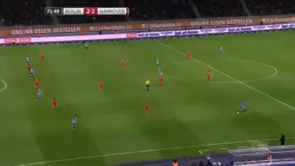 Hertha BSC 2-2 Hannover 96 - Golo de S. Kalou (72min)