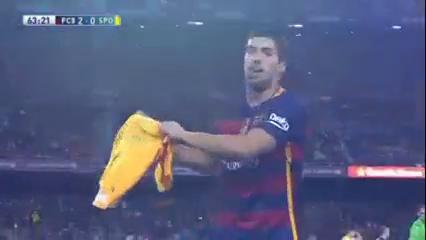 Barcelona 6-0 Sporting Gijón - Golo de L. Suárez (63min)
