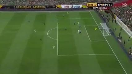 Mexico 3-1 Uruguay - Golo de Á. Pereira (4min)