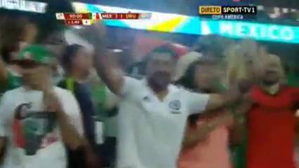 Mexico 3-1 Uruguay - Golo de H. Herrera (90+2min)