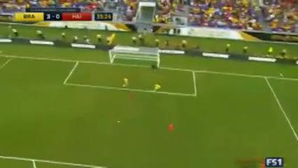 Brazil 7-1 Haiti - Golo de Renato Augusto (35min)