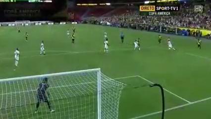 Ecuador 2-2 Peru - Golo de M. Bolaños (48min)