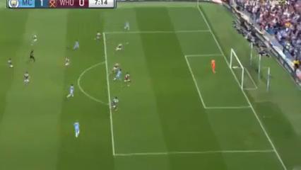 Manchester City 3-1 West Ham United - Golo de R. Sterling (7min)