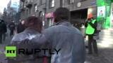 Harckocsikkal oszlatnak Kijev főterén