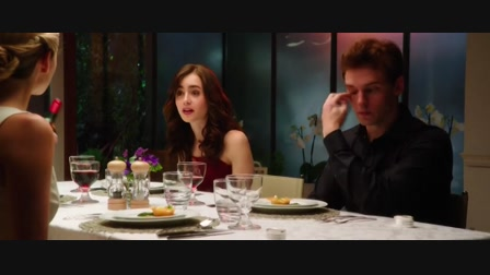 Ahol a szivárvány véget ér (Love, Rosie), angol-amerikai romantikus vígjáték , 102 perc