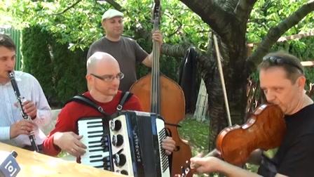 Így próbálja a Csík Zenekar Bródy János dalát