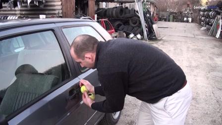 Lehet-e teniszlabdával autót lopni?