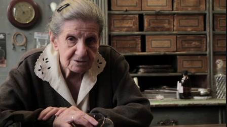 Emmi néni, a 96 éves optikus